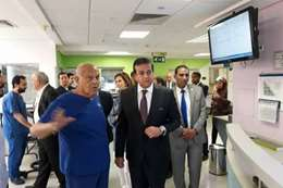 الدكتور مجدي يعقوب مع وزير التعليم العالي