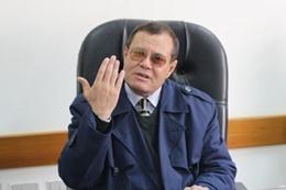 الدكتور عبدالصبور فاضل عميد كلية الإعلام جامعة الأزهر