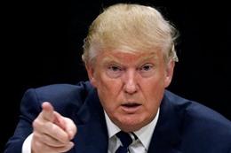 مؤرخ يتنبأ: الكونجرس يعزل ترامب