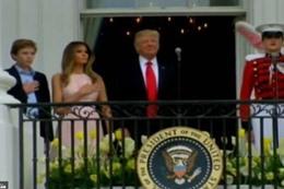 """موقف محرج لـ """"ترامب """" وزوجته تنقذه"""