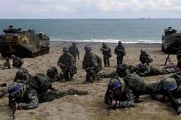 كوريا الجنوبية تلاحق الجنود المثليين بالجيش