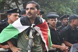 الناشط محمد عواد