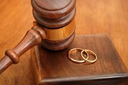 طلاق عجوز وزوجته