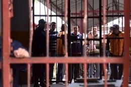 مقتل 12 نزيلًا في اشتباكات بأحد سجون فنزويلا