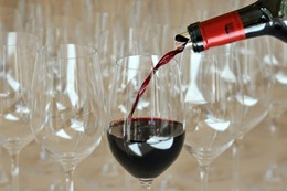 شرب النساء للخمر يضر بأولادهن مدى الحياة
