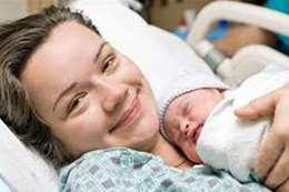إمرأة وطفلها