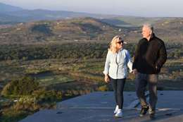 نتنياهو مع زوجته بالجولان