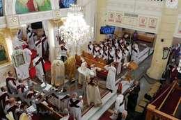 الأنبا بولا يترأس قداس عيد القيامة بكنيسة مار جرجس والشهداء بطنطا