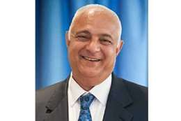 مصطفى خليل