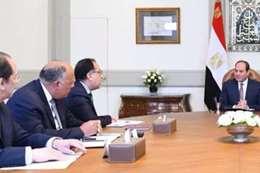 الرئيس يجتمع بعدد من أعضاء الحكومة