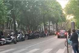 على أنغام داليدا.. شوارع باريس تتحدى الحجر