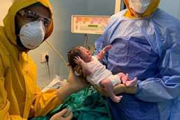 """أول عملية ولادة لأم مصرية مصابة بـ""""كورونا"""""""