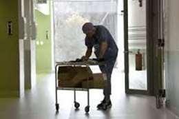 مسشفى يمنع إدخال مرضى كورونا المسنين العناية المركزة