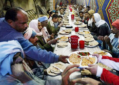 «موائد الرحمن» من أحمد بن طولون إلى فيفي عبده!