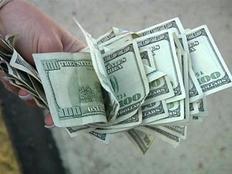 إصرار الدولار يحطم الجنيه