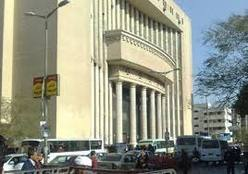 فيديو.. خبراء المفرقعات يتمكنون من إبطال مفعول قنبلة بدائية الصنع أمام محكمة شمال الجيزة