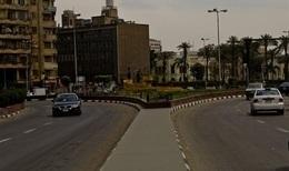 سيولة مرورية بميدان التحرير وسط تكثيف أمنى بمحيط المتحف المصرى