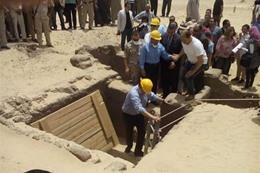اكتشاف مقبرة تضم 28 مومياء بالمنيا