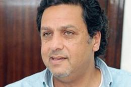 الناشط السياسي المعارض، حازم عبدالعظيم