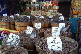 """تجار البلح لـ""""المصريون"""": المواطن يلجئ لـ«1/8 كيلو»  بسبب الغلاء"""