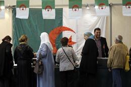 """الجامعة العربية: انتخابات الجزائر """"نزيهة"""""""