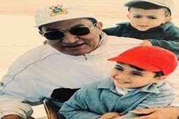 صورة نادرة لحفيد مبارك.. وشقيقه ينعيه بعبارة مؤثرة