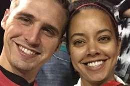 الممثل الشاب وزوجته