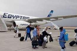 عودة عشرات المصريين من الإمارات.. تعرف على السبب