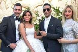 محمد رمضان رفقة زوجته وشقيقته وعريسها