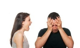 """تهدد زوجها بـ14 """"فيديو إباحي"""""""