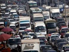 """""""مرور القاهرة"""" تطالب السائقين بعدم استخدام كوبري أكتوبر"""