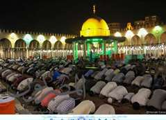 شاهد بالصور.. صلاة التراويح في مسجد عمرو بن العاص