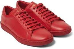 حذاء أحمر