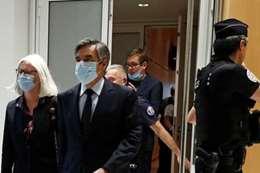 رئيس وزراء فرنسا الأسبق وزوجته