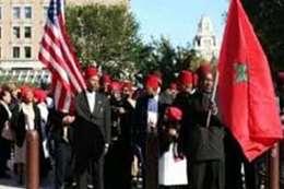 """ظهور أتباع """"النبي نوبل"""" في احتجاجات أمريكا.. طائفة بدولة عربية"""