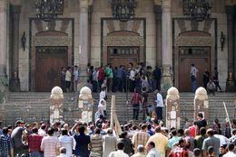 الرشيدي يتنحي عن محاكمة 494 متهماً عقب فض اعتصام مسجد الفتح