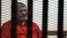 تأجيل محاكمة مرسي وآخرين  بإهانة القضاء لـ 8 إبريل