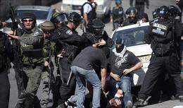 اختناقات جراء مواجهات في القدس بين فلسطينيين وجيش الاحتلال