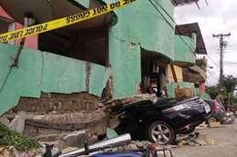 آثار الزلزال فى الفلبين