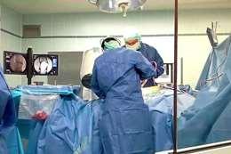 نجاح أول جراحة مخ وأعصاب