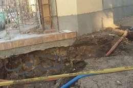 """الرعب يجتاح أهالي قرية """"محلة أبوعلي """" بالغربية بسبب هبوط أرضي بسبب مياه الصرف الصحي"""
