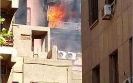 بالصور.. أبرز المشاهد في حريق مستشفي الحسين