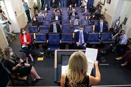أول إصابة بكورونا بين مراسلي البيت الأبيض