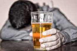 الجارالله يكشف هذا الأمر عن المشروبات الكحولية بدول الخليج