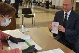 خبير روسي: تلاعب لم يسبق له مثيل في استفتاء روسيا