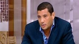 """وزير سابق يهاجم إسلام البحيري و """"أخته ناعوت"""""""