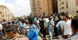 شاهد بالصور..الكارثة مستمرة .. مصرع فتاة تحت عجلات قطار الإسكندرية