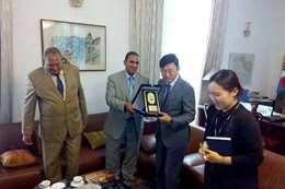 لقاء رئيس جامعة أسوان مع سفير كوريا