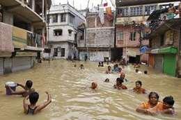 الفيضانات بالهند