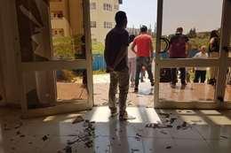 معركة داخل مدرسة